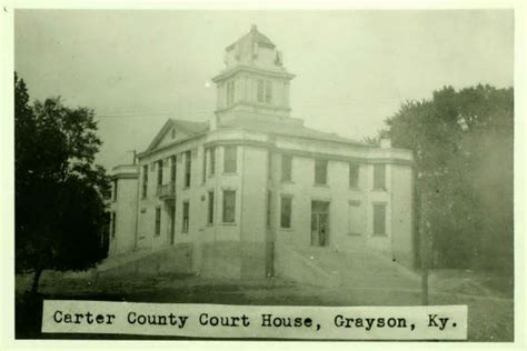 Grayson County Tax Office by County Courthouse