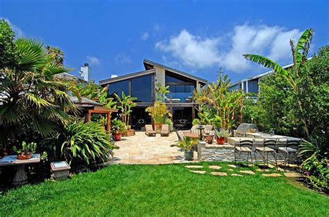 Zillow Home Design Trends by Sold Goldie Hawn Amp Kurt Russell S Malibu Home