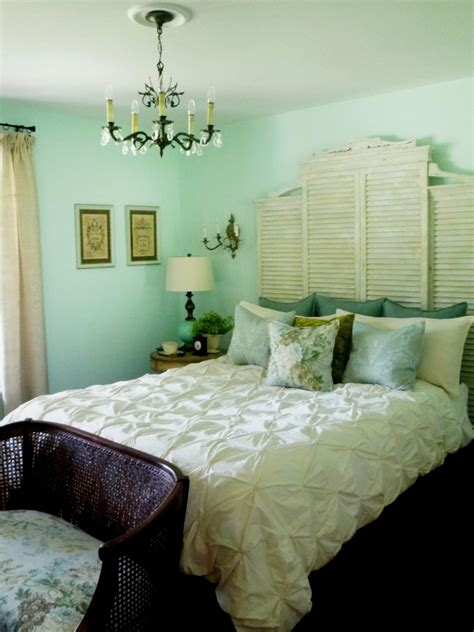 green bedroom decor 17 budget headboards bedrooms bedroom decorating ideas