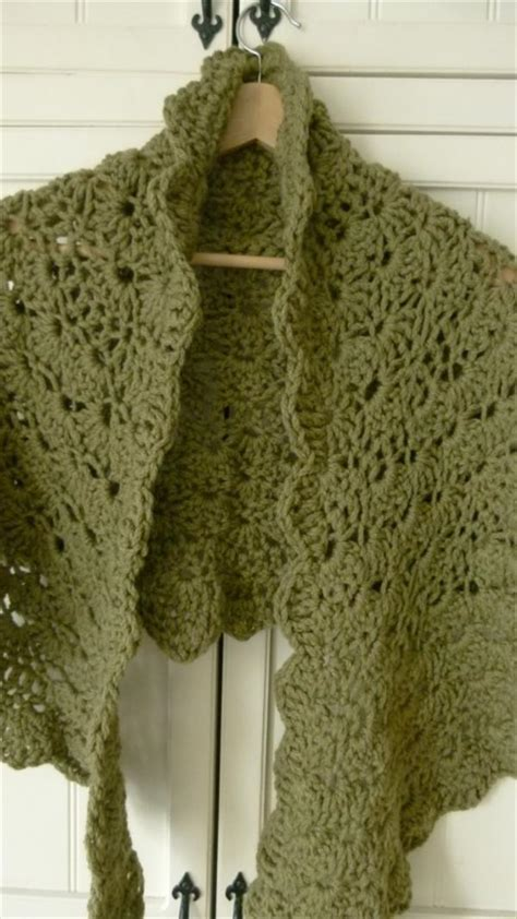 The Trendiest Free Crochet Shawl Patterns Crochet And Knit