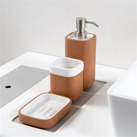 set accessori bagno set accessori bagno in terracotta e ceramica smaltata