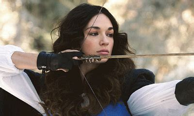 teen wolf crystal reed 2016 teen wolf to bring back crystal reed but how here s a