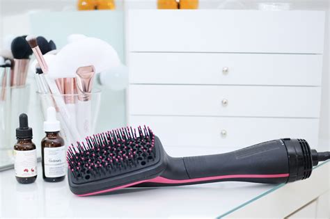 Hair Styler Brush Reviews by A Brush That S Also A Hairdryer Forever Uk