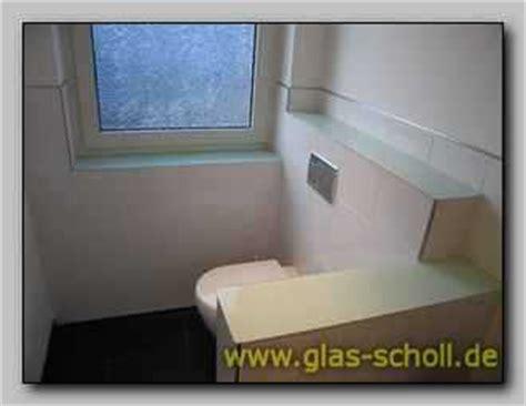 fensterbank glas fensterb 228 nke und ablagen aus farbigem glas