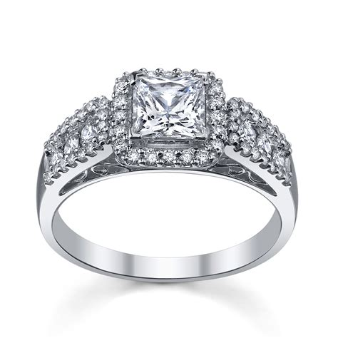 Trendy wedding rings in 2016: Princess cut wedding ring
