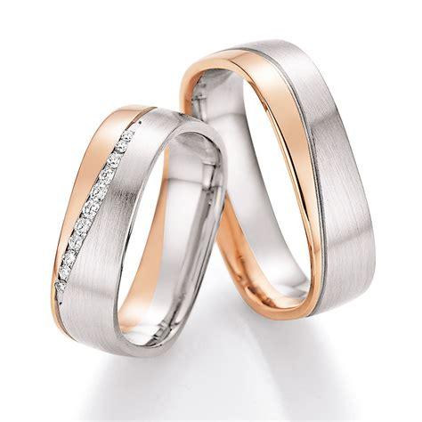Eheringe Gold Mit 3 Diamanten by Eckige Eheringe Aus Wei 223 Gold Ros 233 Gold Mit Diamanten