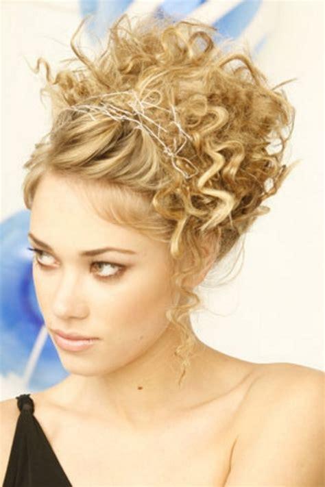 curly hairstyles hair up madame macabre looks inspiradores recogidos para pelo