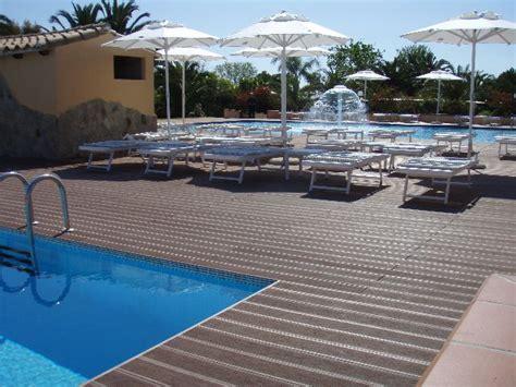 pavimenti in legno per piscine pavimenti per piscine belli e resistenti con il legno wpc