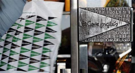 corte ingles esta abierto hoy grandes centros comerciales de barcelona secundan a el