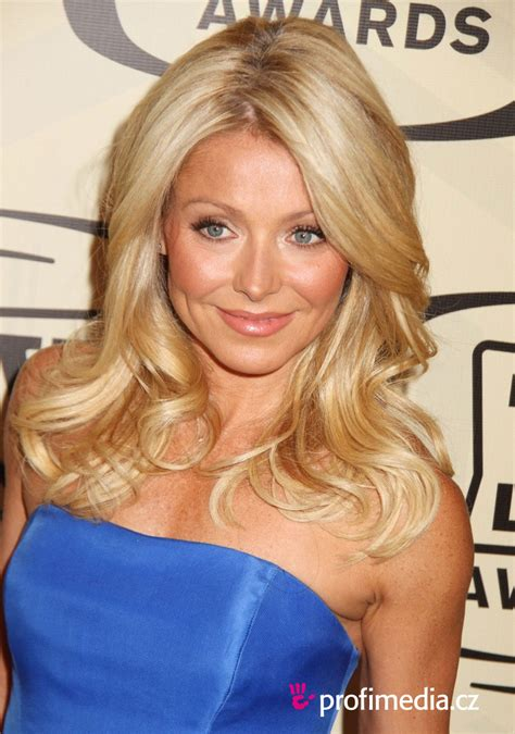 does kelly ripa have fine or thick hair kelly ripa hairstyle easyhairstyler