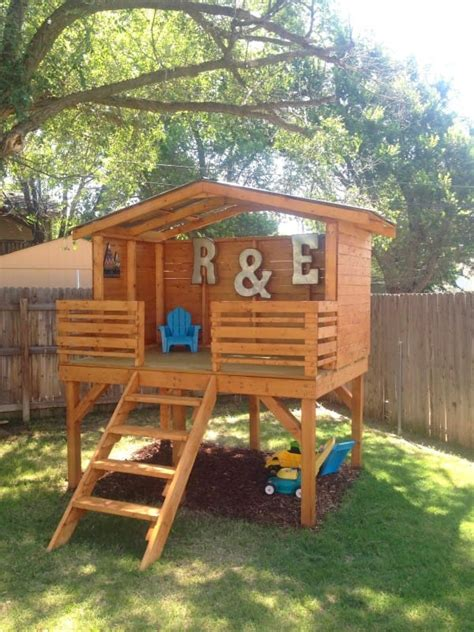 Backyard Fort Ideas by Dreamy Backyard Playhouses Your Will To Play In