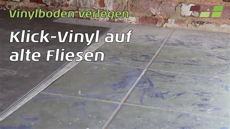 Pvc Belag Auf Fliesen by Vinylboden Auf Fliesen Verlegen Planeo Klick Vinyl