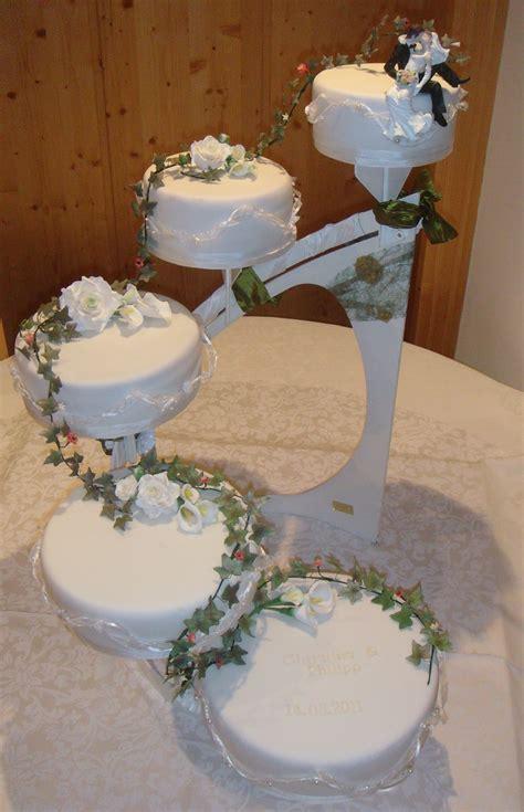 Hochzeitstorte 1 St Ckig by Hochzeitstorte 5 St 246 Ckig Mit In Beige Und Weinrot