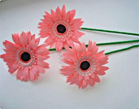 How To Make Bouquet Of Paper Flowers - make a bouquet of beautiful paper flowers tip junkie