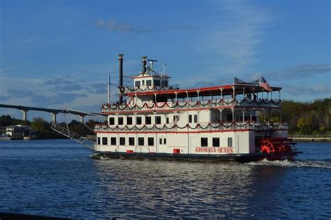 river park north paddle boats paddle boat picture of river street savannah savannah