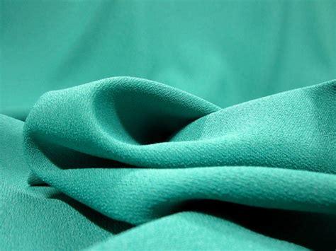 kain crepe itu apa dan bagaimana karakteristiknya