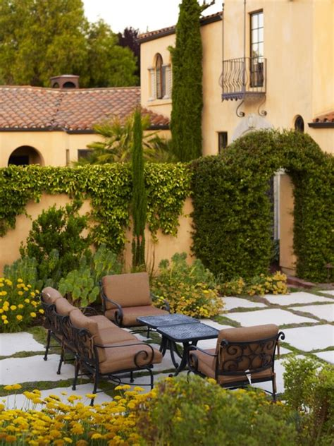 tuscan style backyard ideas 15 fascinating ideas of tuscan gardens that will amaze you
