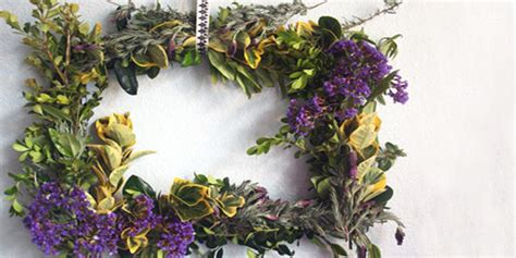 how to make a spring wreath for front door how to make outdoor spring wreaths for a front door