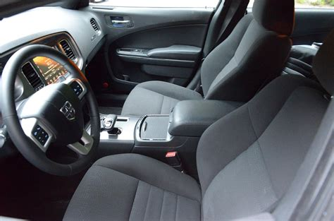 2013 Charger Interior by 2013 Dodge Charger Sxt Review Digital Trends