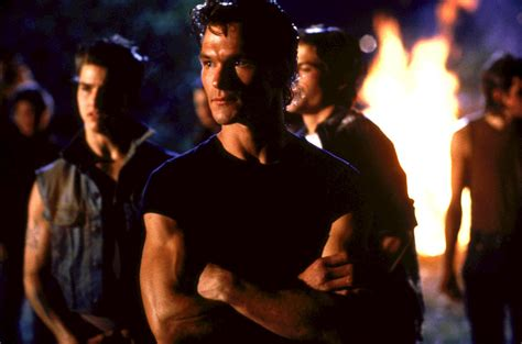 Film Tom Cruise Patrick Swayze | pin the outsiders 1983 movie and pictures on pinterest
