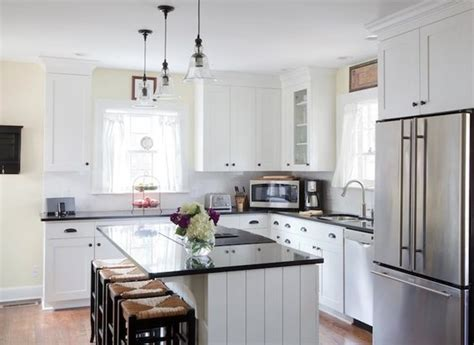 L Shaped Country Kitchen Designs L Shaped Kitchen With Crisp White Shaker Cabinets Paired With Kitchens Pinterest