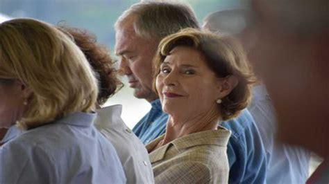 lady laura bush offers advice   successors news
