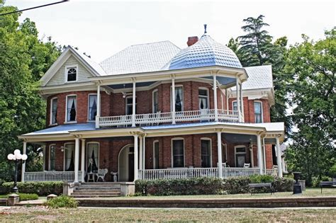 queen anne house a newly built 18 000 square foot brick panoramio photo of a queen anne home built 1903