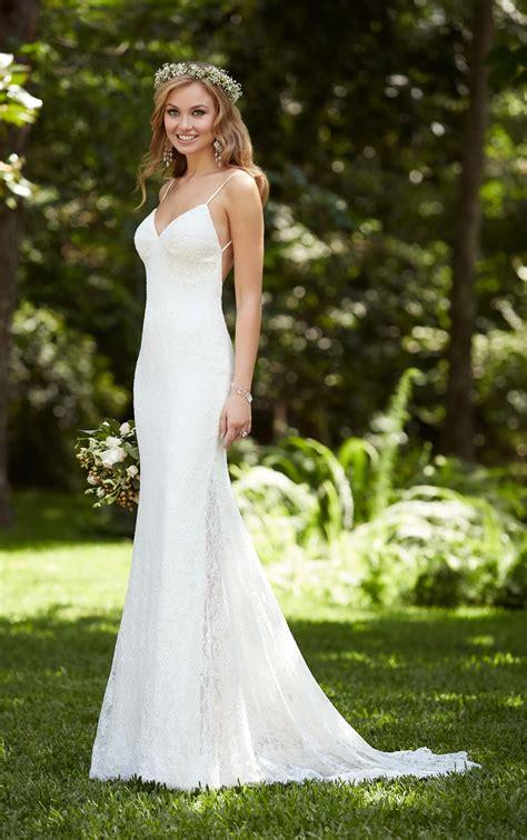 beach wedding dress    stella york wedding dresses
