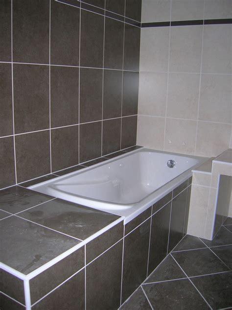 faience baignoire prolonger la baignoire d un meuble recouvert de faience