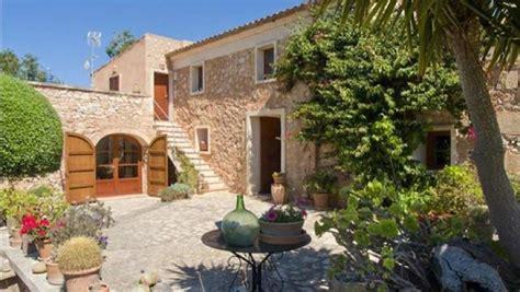 patios de casas rusticas c 243 mo decorar la casa de verano ideas b 225 sicas de playa y