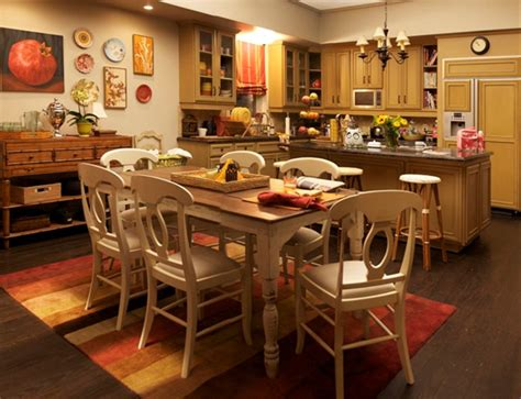 modern family home decor kitchens get the look dunphy household modern family tv homes edition