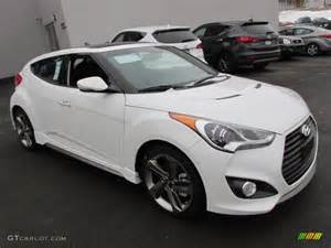White Hyundai Veloster Century White 2013 Hyundai Veloster Turbo Exterior Photo