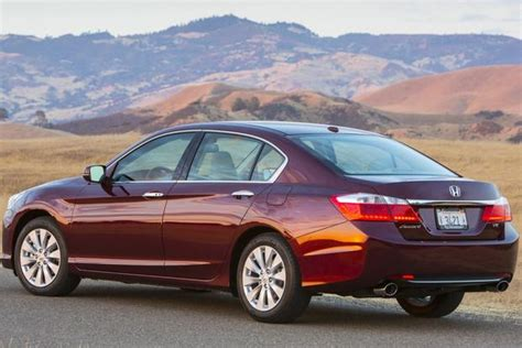 Honda Or Toyota Which Is Better 2014 Honda Accord Vs 2014 5 Toyota Camry Which Is Better