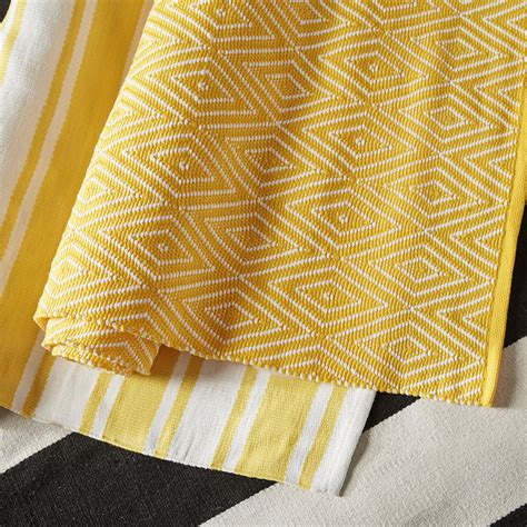 Dash Albert Indoor Outdoor Rugs Dash And Albert Rugs Indoor Outdoor Yello Area Rug Reviews Wayfair