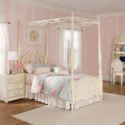 Shore Canopy Bedroom Set Bedroom Awesome Bedroom With Canopy Beds With Lights