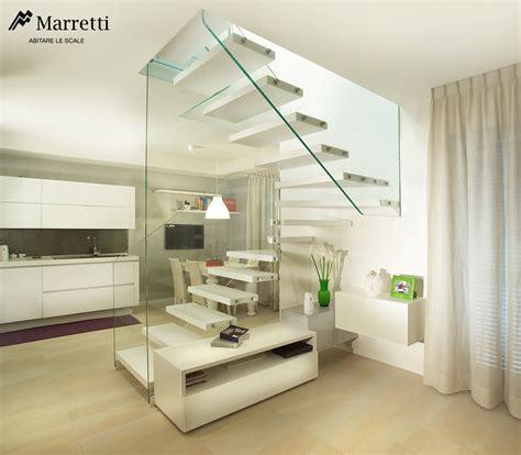 scale aperte per interni scale con struttura in vetro e gradini in legno marretti