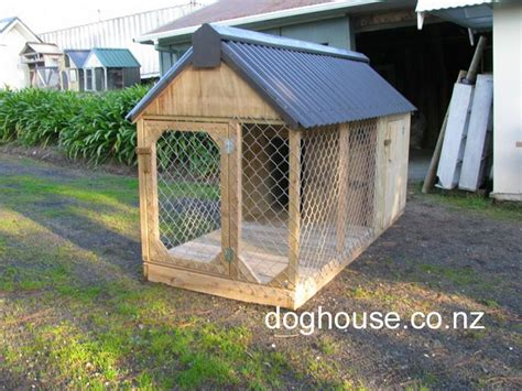 outdoor dog houses for small dogs 25 best ideas about outdoor dog kennels on pinterest