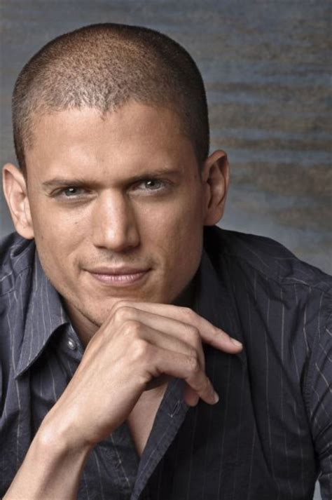 Photos Of Miller by The Glaad Wrap Wentworth Miller Joins Cw S The Flash
