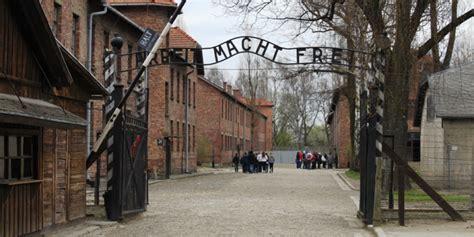 ingresso auschwitz auschwitz schulz quot atrocit 224 commesse monito per l umanit 224 quot