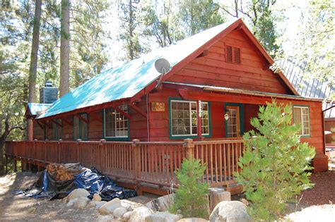Cabins To Rent In Yosemite National Park by The Redwoods Yosemite National Park Just America