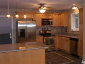 traditional kitchen with ceiling fan