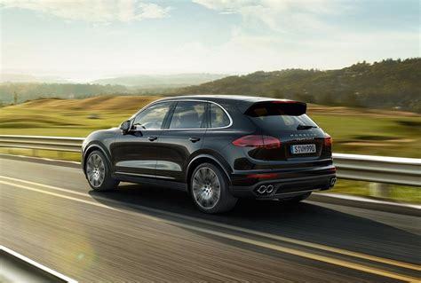 Porsche Cayenne Features by 2019 Porsche Cayenne Specs And Features 2018 2019 Cars