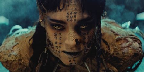 tattoo assassins cast why sofia boutella licks tom cruise s face in the mummy