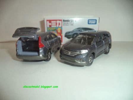 Tomica Reguler Toyota Vitz Diecast Mobil Replika Miniatur Takara Tomy tomica mainan mobil takara tomy jual mainan diecast