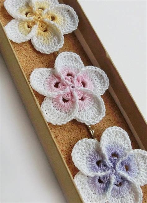 crochet pattern hawaiian flowers crochet plumeria frangipani flower pattern photo