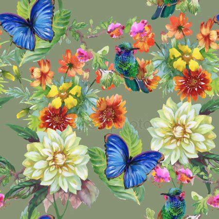 fiori prato prato con fiori assortiti e farfalle foto stock