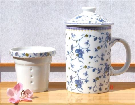 Tea Mug Chinese China with infuser & lid summer berries