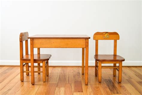 Childrens Wood Table And Chairs by Child S Table And Chairs Wood Table And Chairs