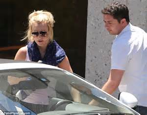 Britneys Assistant Sends Plea For Help by Reveals Some Spotty Skin As She Leaves A