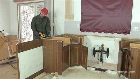 how to set kitchen cabinets how to remove kitchen cabinets youtube